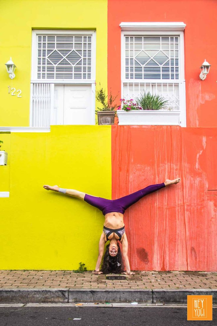 Handstand with Justine Barnes.  Yoga photography by Nora Wendel from HEY YOGI.  Cape Town 2015