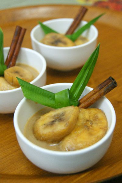 This traditional banana compote is a favorite during Ramadan because it is quite filling and has enough sugar content to boost your energy after the long fasting time!