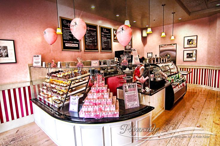 Inside cute bakery google search entrance staircases for Bakery shop interior decoration