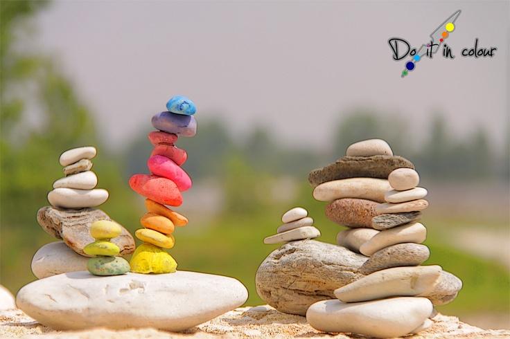 L'eqilibrio è una cosa speciale, capace di bilanciare i vari componenti di un sistema.  Cerca il tuo equilibrio, non farti sopraffare dagli impegni e dagli altri, non perdere la pazienza per cose futili, non arrabbiarti con un pc, fai ciò in cui credi e cerca di farlo nel migliore dei modi.    www.cameramak.com