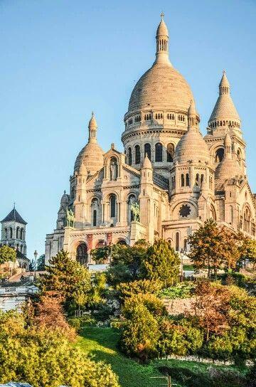 Paris, Sacre Coeur. By NikitaDB Book a room in one of our hotels in #PARIS: HTTP://GREENHOTELPARIS.COM