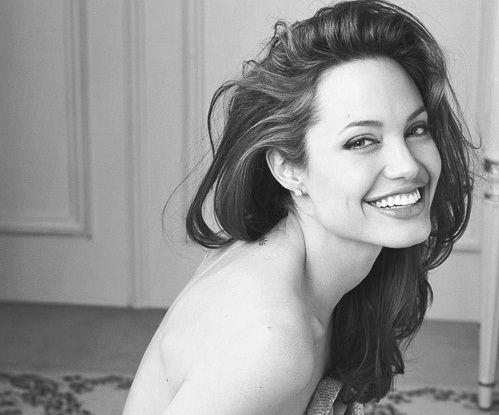Angelina Jolie                                                       …