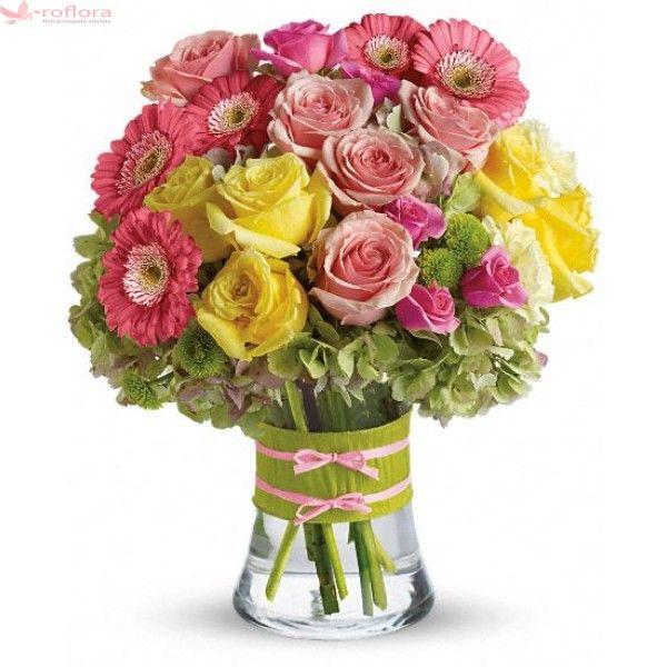 Rose Queen - Buchet din trandafiri, gerbera, hortensii si garoafe