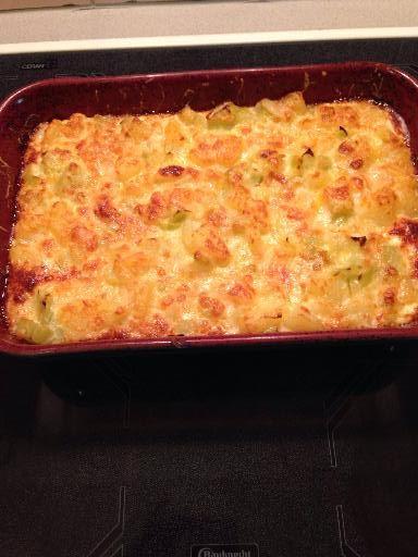 Gratin de poireaux et pommes de terre : Recette de Gratin de poireaux et pommes de terre - Marmiton