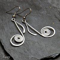 Drátované / Šperky | Fler.cz.                             These are sooooo cool!  The treble cleft would be neat, too! tm