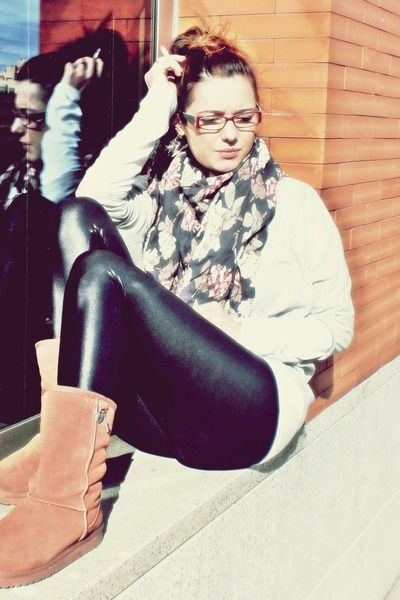 Gray-zara-shirt-purple-h-m-scarf-black-zara-leggings-brown-ugg-boots_400