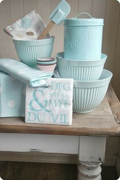 Lovely kitchen accessories in pastel! .