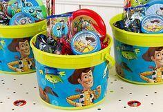 Ideias de convites, decorações, bolos, doces e lembrancinhas para uma festa Toy Story!