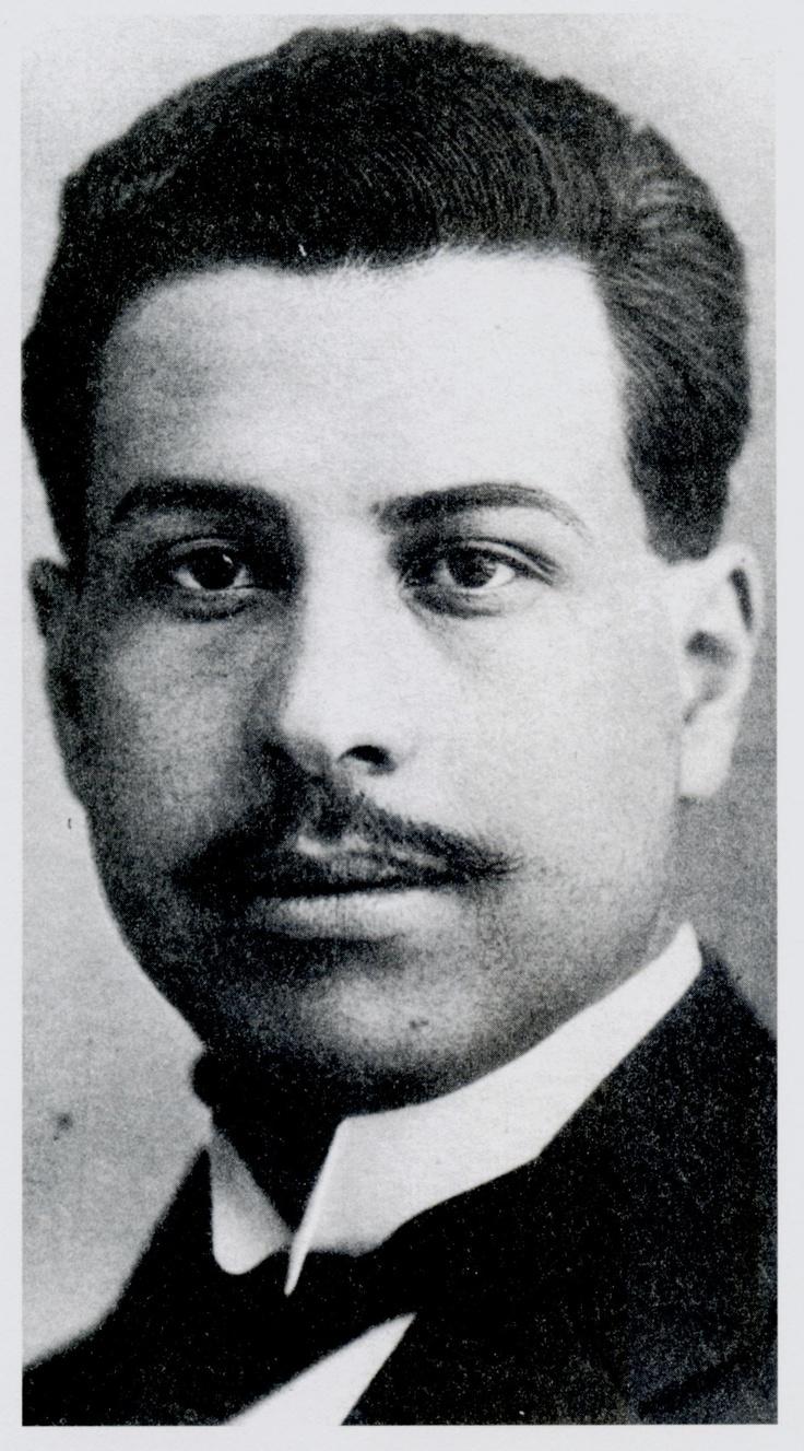 """Ramón López Velarde, poéta mexicano del movimiento nacionalista, autor del famosa poema """"Suave Patria"""""""