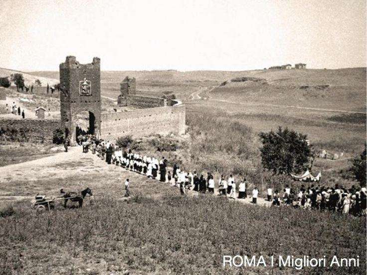 Torre del primo miracolo al Divino Amore 1950.