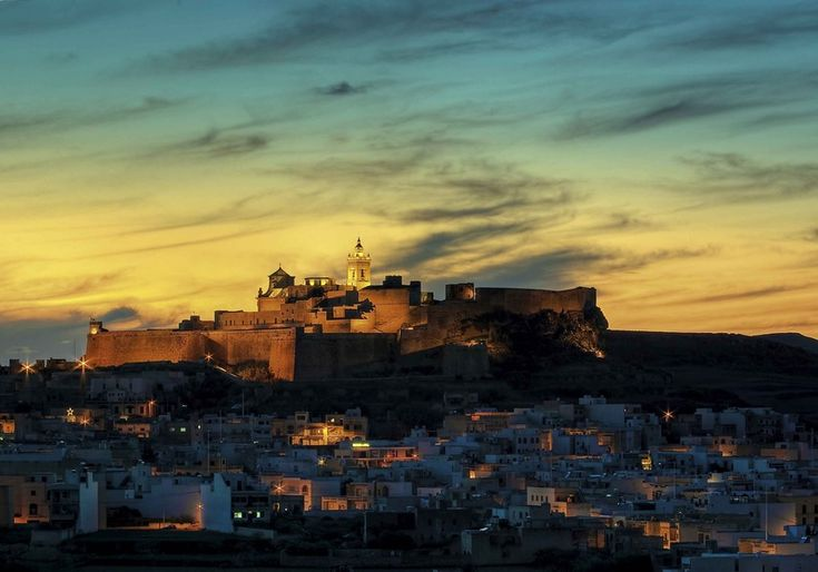 島の集まるマルタ島。名前すら日