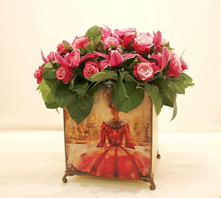 """Композиция с розами и орхидеями """"Венеция""""с доставкой по Москве. Ателье цветов и декора """"Нескучный сад"""", оригинальные идеи, оригинальные подарки"""