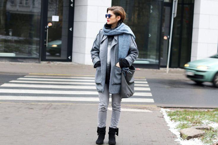 Niebieski płaszcz - codzienna stylizacja
