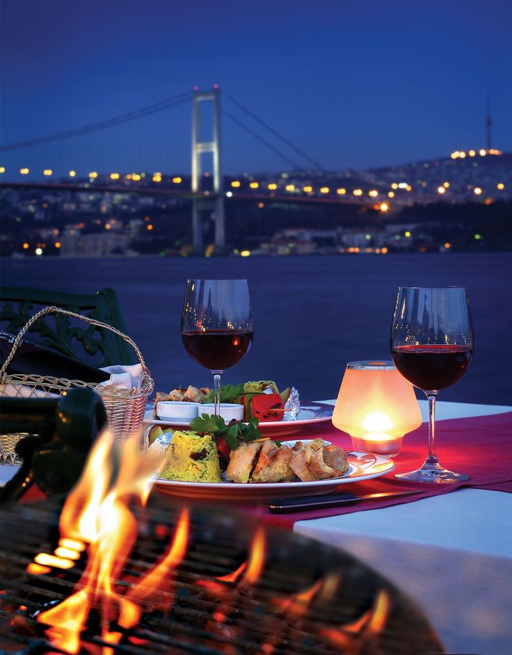 Beautiful romantic dinner in istanbul, just the way it should be