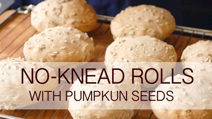 No-knead rolls with pumpkin seeds