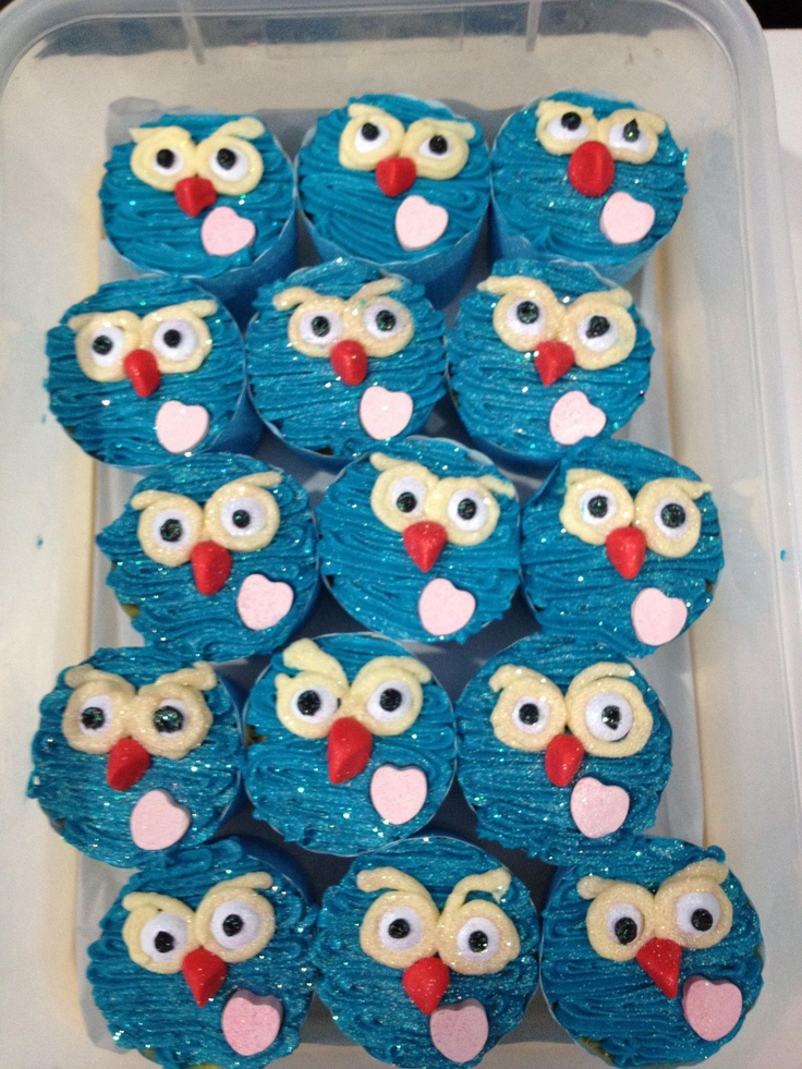 hoot cup cakes