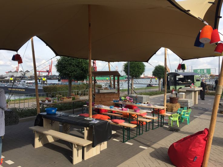 Stetchtent tijdens famliefestival. https://www.advance-events.nl/news/25/38/Zomers-familiefestival-in-de-herfst-het-kan