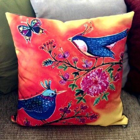 Capa para almofada Pássaros com fundo vermelho