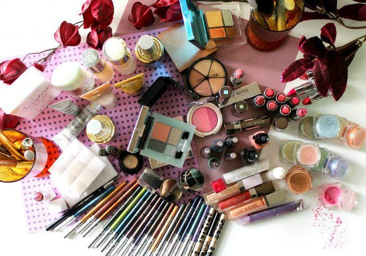 A Look Inside @Rose & Lea Lise Watier Makeup Collection...