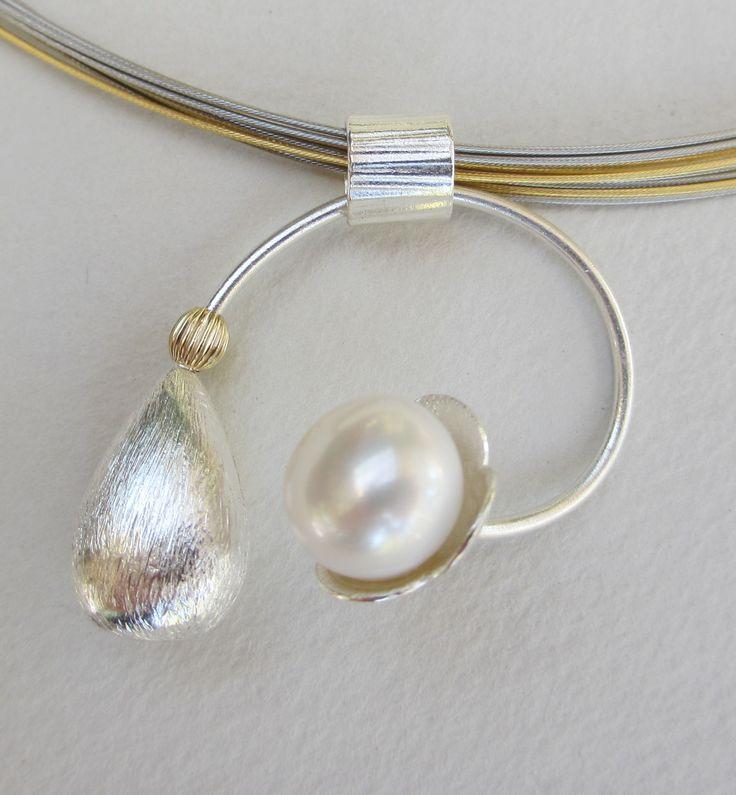 Swirly Pearly Pendant