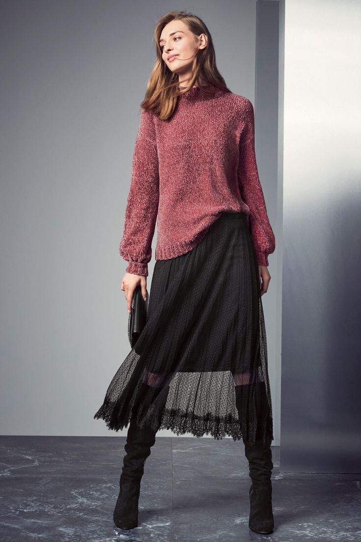 Pink Sweater  http://www.next.ro/ro/g7734s1