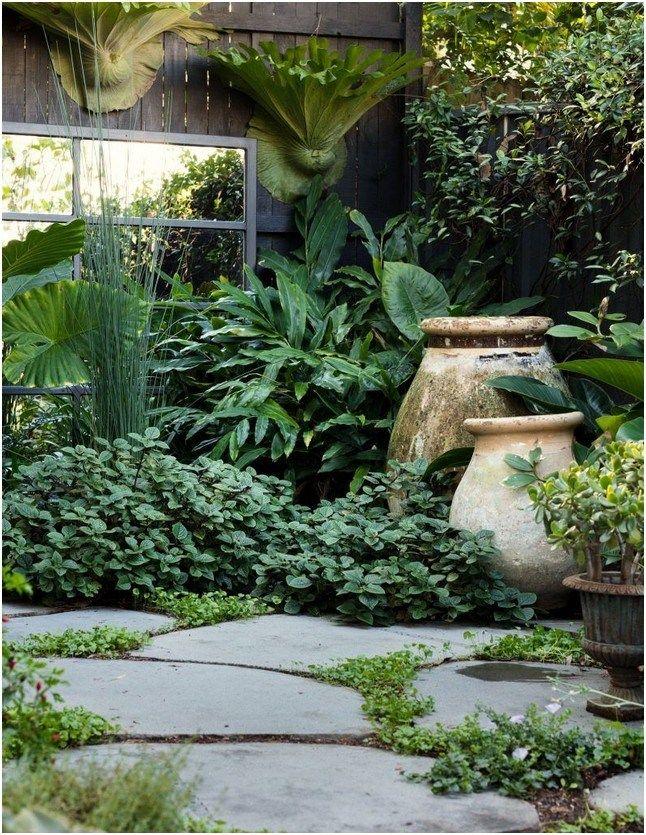 24 Tropical Garden Designs For Meditation To Breathe In Natural Energy 10 Reska In 2020 Tropical Garden Design Beautiful Gardens Landscape Beautiful Gardens