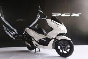 Harga Motor Honda PCX 150 Lokal Indonesia 2018 Hybrid  Source : http://www.azril-zulfadlhi.com/2017/12/harga-motor-honda-pcx-150-lokal.html