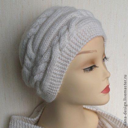 Шапочка с косами белая - белый,шапка,шапка вязаная,шапка женская,ручное вязание