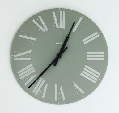 ¿Se dice in Monday o on Monday? Solo hay una respuesta correcta: Preposiciones de tiempo in, on, at
