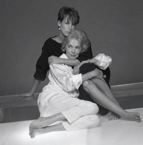 Janet Leigh and daughter Jamie Lee Curtis