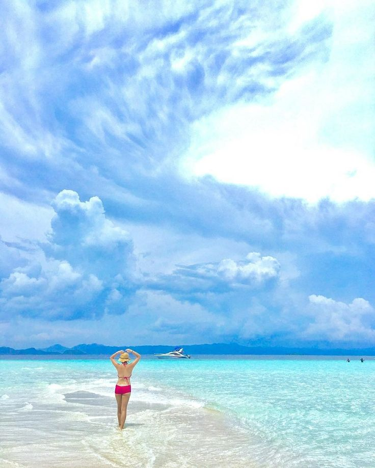 What pretty much happened at the beach today.  Location : Raja Ampat Photo by : @f3n_27    #pesonaindonesia #wonderfulindonesia #rajaampat #visitrajaampat #igdaily #view #bluesky #wonderful_places #rajaampat #instagood #igtravel #instago #photoshoot #travelgram #travelleisure #photooftheday #ootd #beachlife #wanderlust #instatravel #tukangjalan #instapic #mainkesini #beautiful_destination