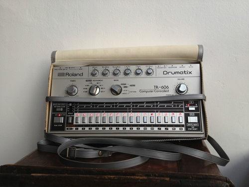 53 best images about electro drum on pinterest vintage drum machine and drums. Black Bedroom Furniture Sets. Home Design Ideas