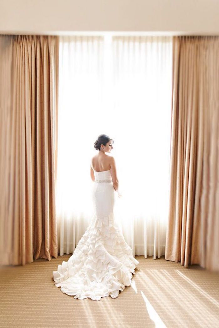 Such a divine bridal beauty. Dress: Oscar de la Renta via Preowned Wedding Dresses