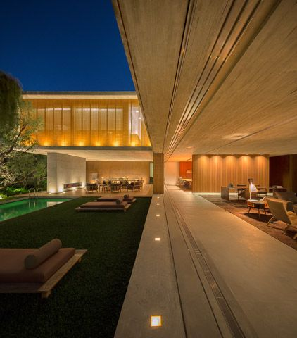Casa P / Studio MK27 - Marcio Kogan + Lair Reis #facade #lighting #outdoor #patio #pool #yard