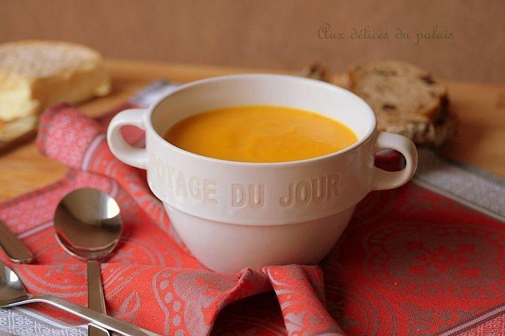 Velouté de butternut recette facile et rapide L'automne s'est bien installé et sur les étalages des marchés on voit plein de variétés de courge, potiron, p