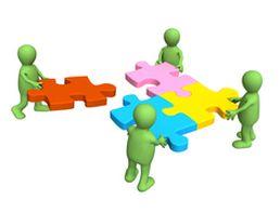 Legpuzzel - expertgroepen: Versie 1: Bij een les W.O.: De leerstof wordt in gelijkwaardige delen verdeeld. Nadien worden er stamgroepen gemaakt. De leerlingen lossen de vragen op of vatten de leerstof samen. Daarna worden ze in andere groepjes gezet waar ze hun deel uitleggen.  Versie 2: Bij een les wiskunde breuken. De leerlingen leren verschillende oplossingsmethodes kennen.