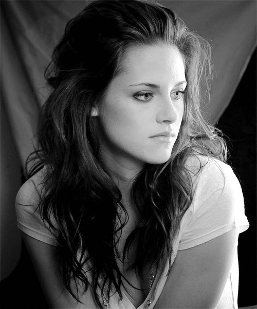 I don't normally like Kristen Stewart, but this is really pretty.