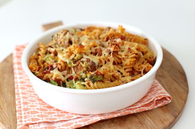 pasta ovenschotel met broccoli en gehaktballetjes