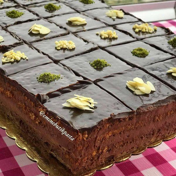 طرز تهیه کیک بیسکویت شکلاتی دسر مجلسی و خوشمزه مجله تصویر زندگی Yummy Food Dessert Food Desserts