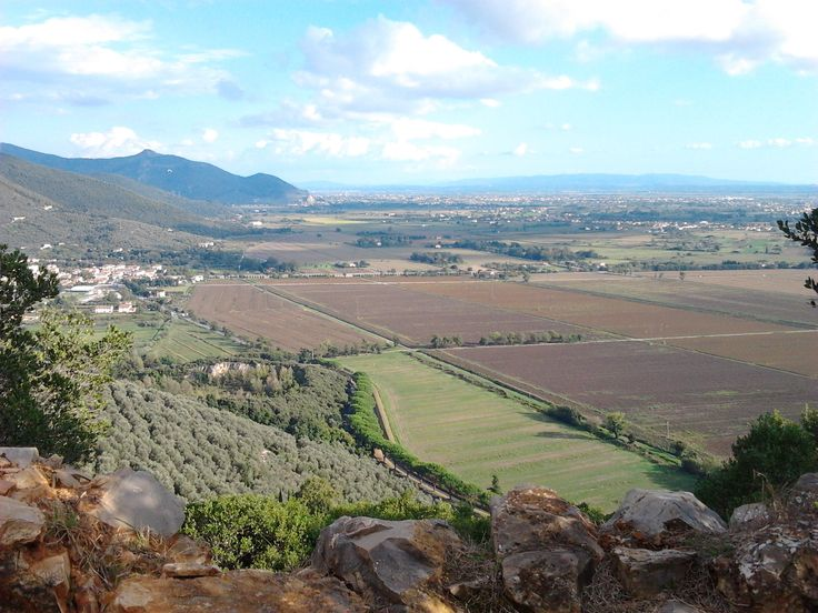 Il versante Sud dei monti Pisani visti dal monte Castellare (villa Bosniasky)
