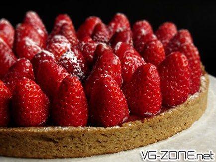 C'est sans doute le summum de la pâtisserie traditionnelle du dimanche. Quoi de plus classique qu'une tarte aux fraises achetée à la boulangerie du coin afin de la ramener chez tante Berthe pour le déjeuner dominical… La bonne nouvelle c'est qu'aucun des éléments qui viennent d'être énumérés ne sont nécessaires pour déguster une de ces …