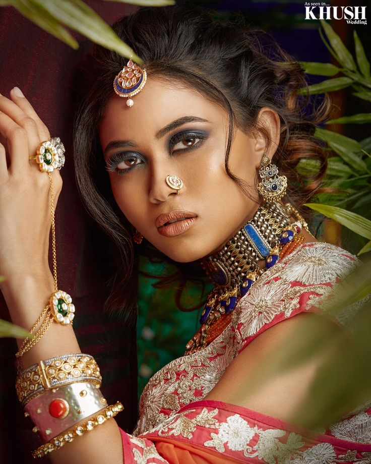Looking for distinctive bridal wedding day looks? Look no