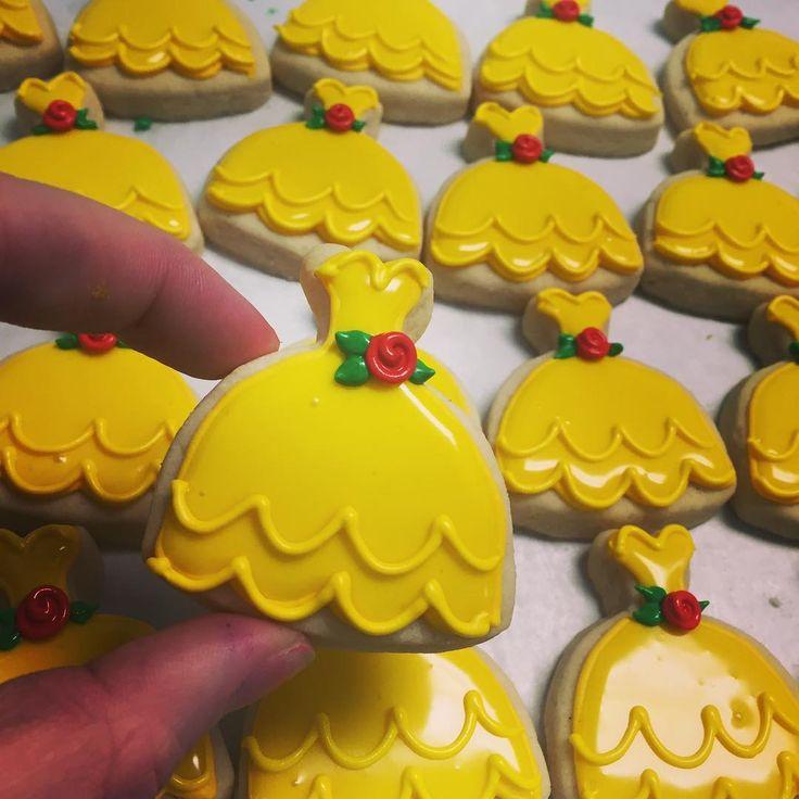 "1,266 Likes, 37 Comments - Hayleycakes And Cookies (@thehayleycakes) on Instagram: ""Mini princess belle dresses! #beautyandthebeast #hayleycakesandcookies #decoratedcookies…"""