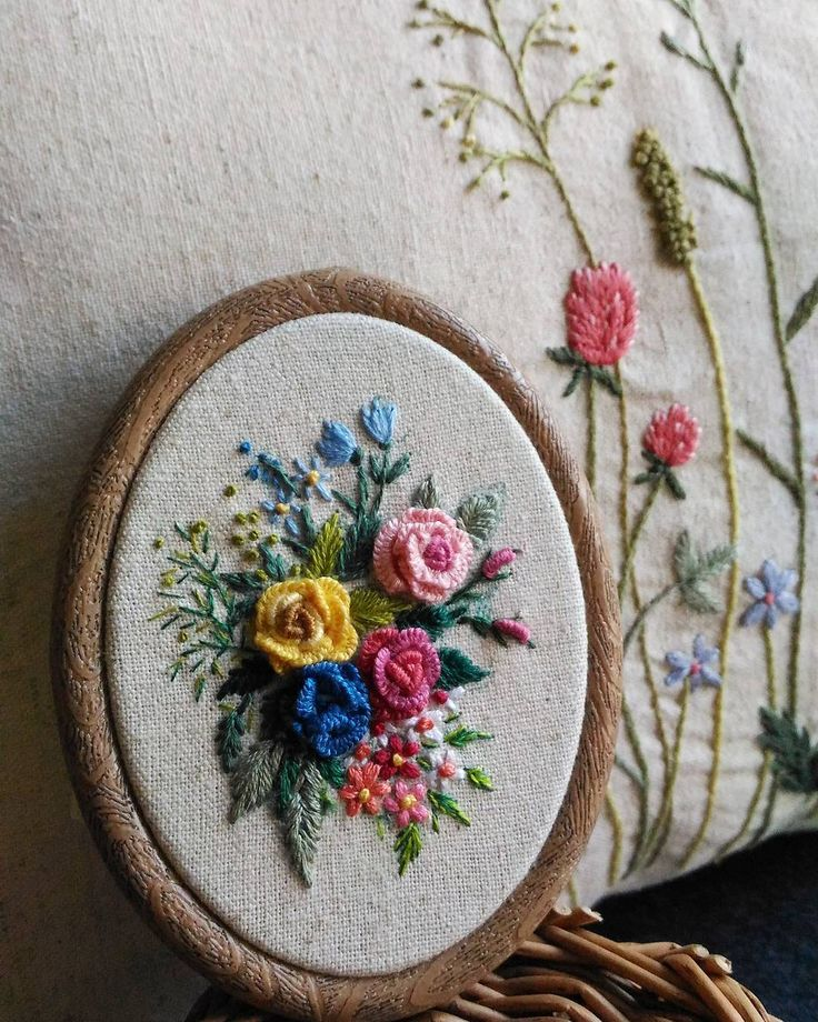 See Instagram photos and videos from 刺繡作家 王瓊怡 Joanne (@up_in_the_hill)