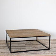 Moderne vierkante salontafel van hout en metaal