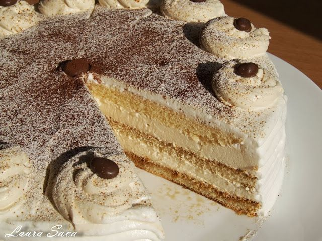 Capucino mousse cake - Tort de cafea   Retete culinare cu Laura Sava - made it as a sheet cake in 9*13 pan. Made the mousse from 3 yolks, 250 gr of whipping cream and 250 cream cheese.