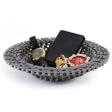 Bike chain bowl, recycled from old bikes. Sweet.