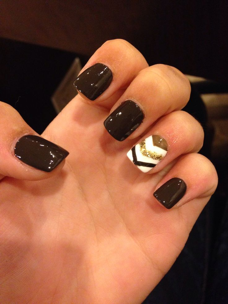 Perfect fall nails... with the rest of the nails gold instead of black
