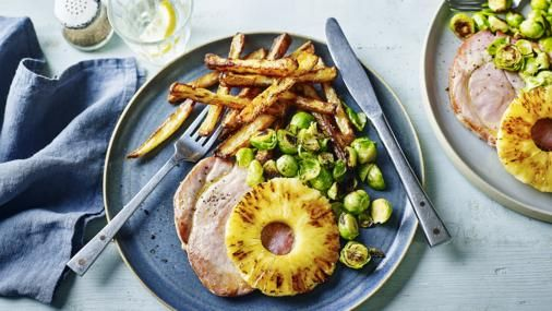 Gammon and chips with pineapple and greens