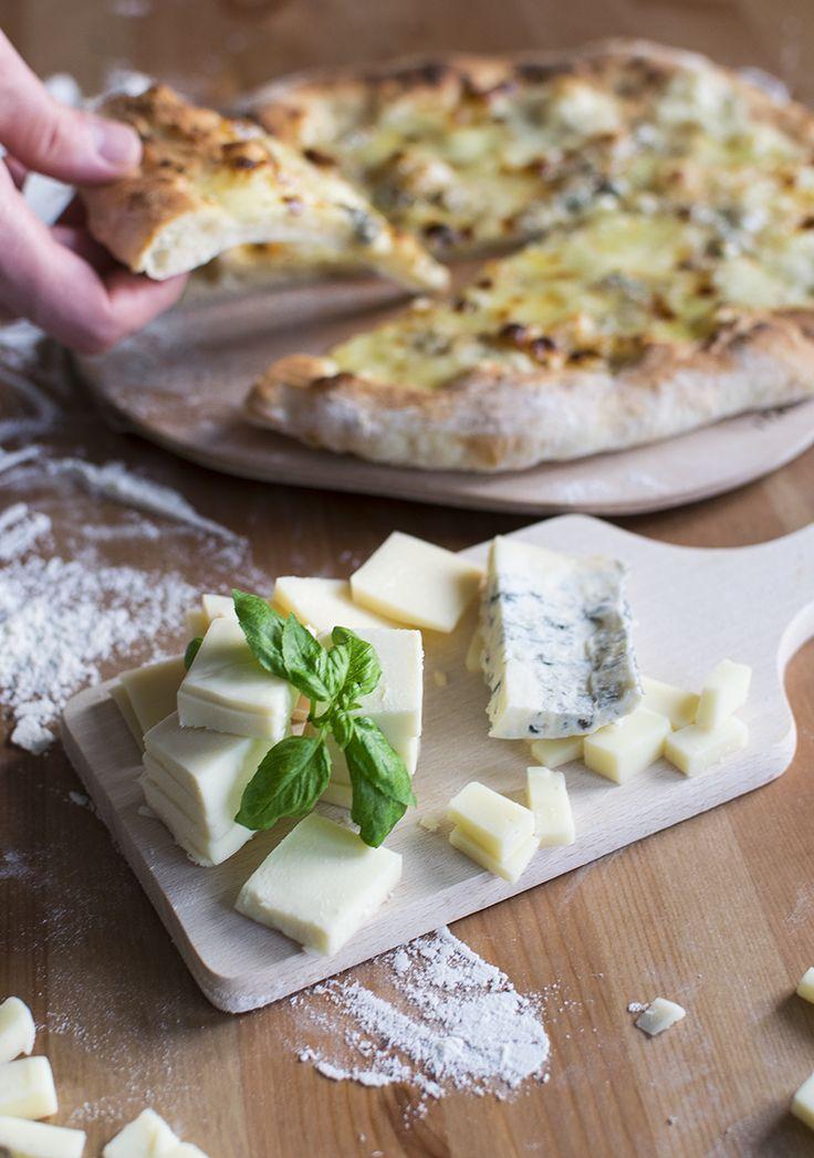 Pizza Quattro Formaggi (sýrová pizza) |